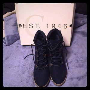 EST 1946 - Blue Suede Ankle Boots!
